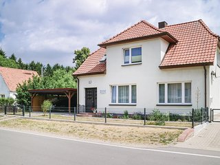 Beautiful home in Alt Bukow w/ WiFi and 2 Bedrooms