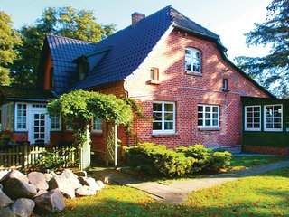 Beautiful home in Prerow w/ 2 Bedrooms (DMK589)
