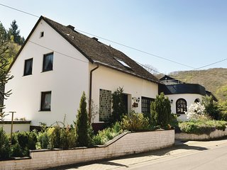 Nice home in Neumagen-Papiermuhle w/ 3 Bedrooms and WiFi (DMO903)