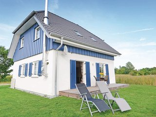 Beautiful home in Altefähr/Rügen w/ WiFi and 3 Bedrooms