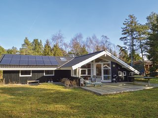 Amazing home in Væggerløse w/ Sauna, WiFi and 4 Bedrooms (K16457)