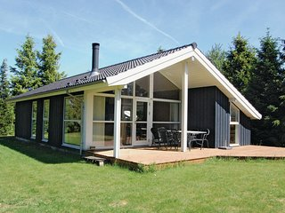 Nice home in Vaeggerlose w/ 3 Bedrooms