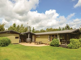 Awesome home in Vaeggerlose w/ 3 Bedrooms