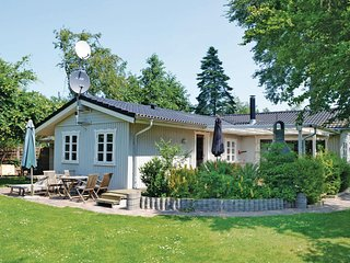 Amazing home in Gedser w/ Sauna, WiFi and 4 Bedrooms (K20694)