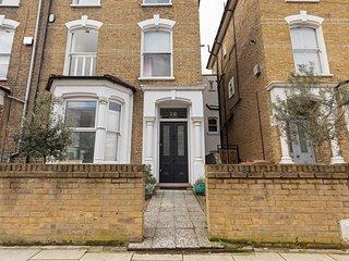 Stunning, Bright 3 Bedroom Flat in Finsbury Park
