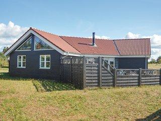 Nice home in Skjern w/ 4 Bedrooms