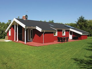 Stunning home in Vestervig w/ Sauna, WiFi and 3 Bedrooms (B40024)