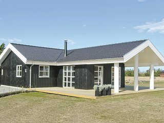 Stunning home in Skjern w/ WiFi and 3 Bedrooms