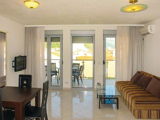 Awesome home in Budva w/ WiFi, 2 Bedrooms and Outdoor swimming pool