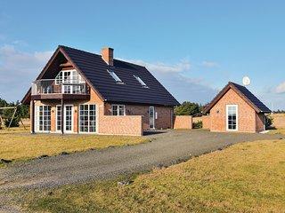 Beautiful home in Skjern w/ Sauna and 3 Bedrooms