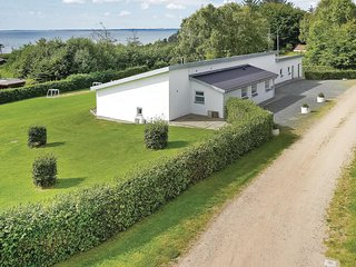 Beautiful home in Spøttrup w/ Sauna, WiFi and 4 Bedrooms (B5007)