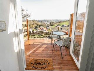 BRON BERLLAN ANNEXE, WiFi, Romantic, Country and sea views, Llandudno
