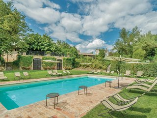 Amazing home in Montone PG w/ WiFi, Outdoor swimming pool and Outdoor swimming p