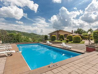 Awesome home in Fabro TR w/ WiFi, Outdoor swimming pool and 4 Bedrooms