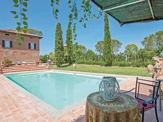 Stunning home in Castiglione del Lago w/ WiFi and 6 Bedrooms (IUT250)