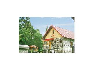 Amazing home in Tatranská Kotlina w/ 4 Bedrooms