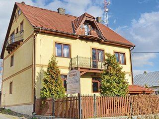 Beautiful home in Velky Slavkov w/ WiFi and 1 Bedrooms