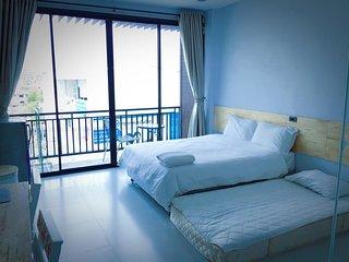 Rinrada Loft Resident (Apartment w/Balcony 2)