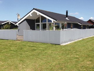 Awesome home in Vinderup w/ Sauna, WiFi and 3 Bedrooms