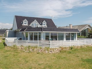 Stunning home in Ebeltoft w/ Sauna, WiFi and 5 Bedrooms