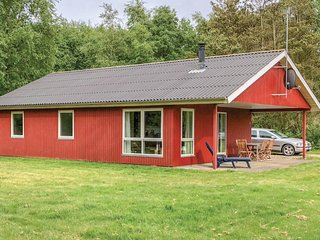 Nice home in Øster Assels w/ WiFi and 3 Bedrooms