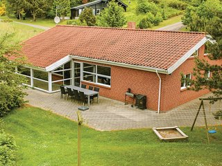 Beautiful home in Ebeltoft w/ Sauna, WiFi and 4 Bedrooms (E4583)
