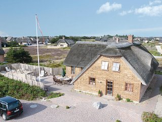 Beautiful home in Blåvand w/ Sauna, WiFi and 5 Bedrooms (P32293)