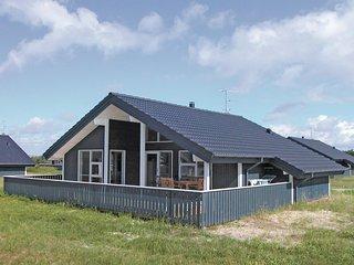 Beautiful home in Ringkobing w/ Sauna, WiFi and 2 Bedrooms