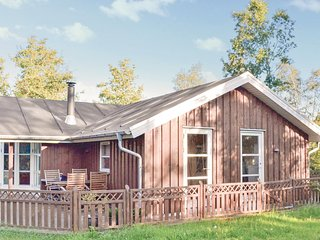 Stunning home in Grenaa w/ WiFi and 3 Bedrooms (E5063)