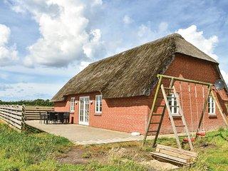 Beautiful home in Ulfborg w/ Sauna, WiFi and 4 Bedrooms