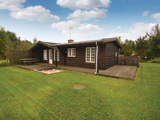 Beautiful home in Grenaa w/ Sauna, 2 Bedrooms and WiFi