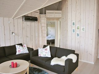 Awesome home in Glesborg w/ Sauna, WiFi and 3 Bedrooms