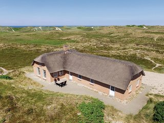 Awesome home in Ringkøbing w/ Sauna, WiFi and 4 Bedrooms