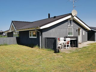 Nice home in Ringkøbing w/ Sauna, WiFi and 3 Bedrooms