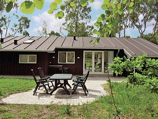 Awesome home in Grenaa w/ Sauna and 3 Bedrooms