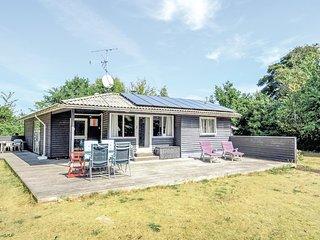 Amazing home in Glesborg w/ Sauna, WiFi and 3 Bedrooms (E5244)