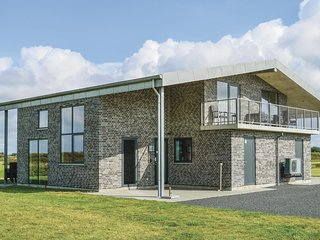 Beautiful home in Ringkøbing w/ WiFi and 6 Bedrooms