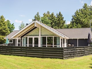 Beautiful home in Hals w/ Sauna, WiFi and 4 Bedrooms (E6083)