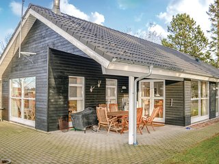 Amazing home in Hals w/ WiFi and 3 Bedrooms