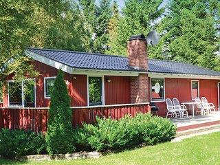 Beautiful home in Hals w/ 2 Bedrooms