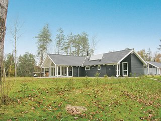 Awesome home in Hals w/ Sauna, WiFi and 4 Bedrooms (E6200)