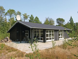 Beautiful home in Ålbæk w/ Sauna, WiFi and 3 Bedrooms (E8094)