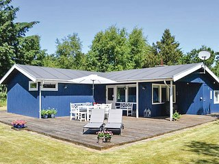Awesome home in Ålbæk w/ WiFi and 2 Bedrooms (E8131)