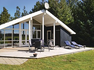 Stunning home in Ålbæk w/ Sauna, WiFi and 3 Bedrooms