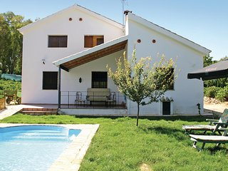 Nice home in Montemayor w/ WiFi and 3 Bedrooms