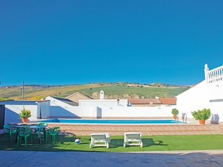 Awesome home in Cacín (Granada) w/ WiFi, Outdoor swimming pool and 2 Bedrooms