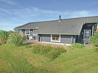 Nice home in Vinderup w/ Sauna, WiFi and 3 Bedrooms