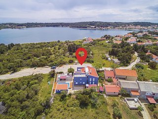 Amazing home in Veli Rat w/ WiFi and 2 Bedrooms (CDU467)