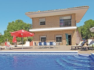 Nice home in Almodovar del Rio w/ WiFi and 7 Bedrooms