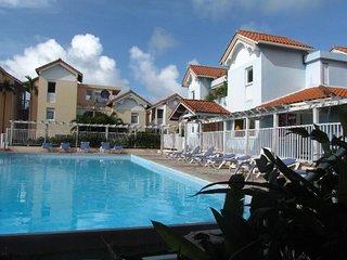 Bel appartement 2 chambres/2 salles de bain en residence avec piscine